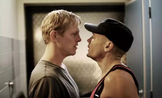 丹麦同性电影《兄弟情》又名《断背禁爱》纳粹小弟恋上黑帮老大