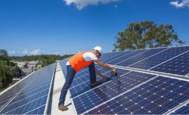 苹果连发多条广告怼安卓;小米MIX新成就达成;特斯拉在超级电池工厂安装世界最大太阳能屋顶;