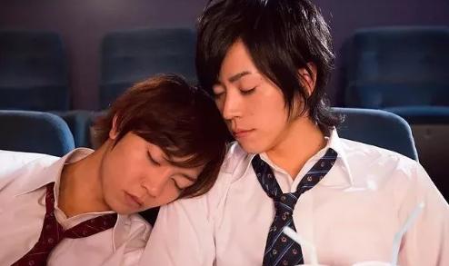 日本同志电影《星期恋人:前篇》英俊帅气的校草一周交往一个人