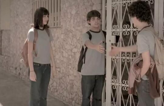 《爱,牵手》两个少年之间的纯纯之恋